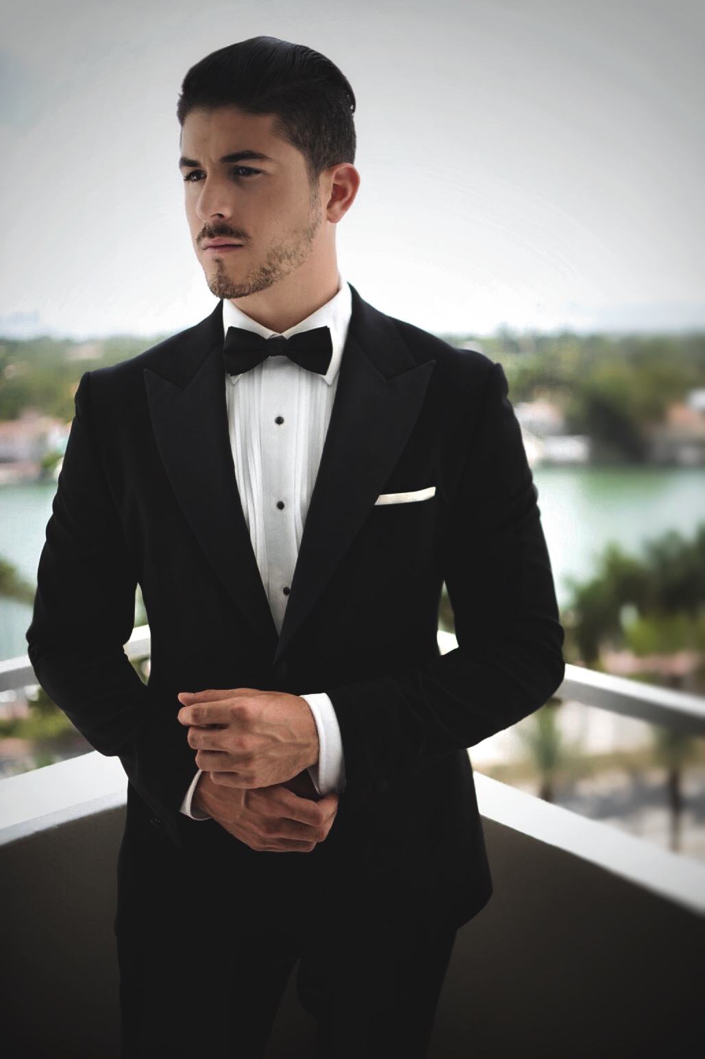 Wedding attire for grooms what to wear for your wedding for Wedding dress shirts for groom